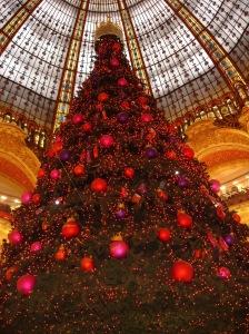 Paris-Galeries_Lafayettes-Sapin_de_noel-2005-11-28